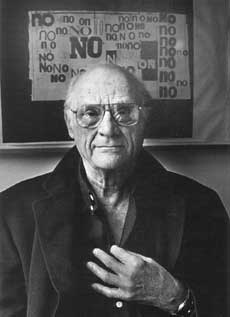 Arthur Miller in front of NO